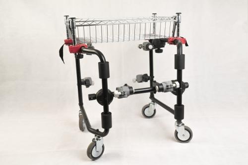 El carrito para supermercado MOVICLINIC es un dispositivo revolucionario, un nuevo concepto en accesorios, que permite transformar a la silla de ruedas MOVICLINIC en un Carrito de supermercado